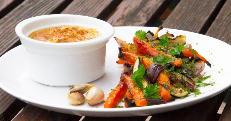 Pečená zelenina a cizrnový hummus