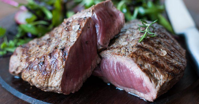 Steak z květové špičky a lehký salát