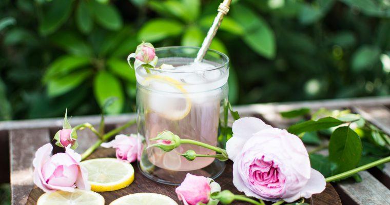 Limonáda z růžových květů